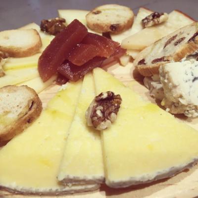 Tabla de quesos del restaurante El Eslabón en móstoles
